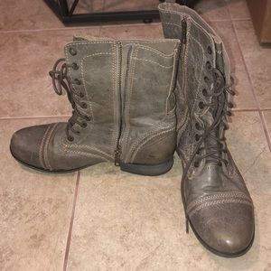 New condition steve madden boots